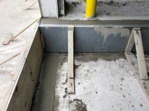 pour dock pit